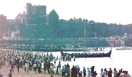 Photo from 1979 with kind permission from John Ball showing the crowds on the beach as Odin's Raven came along shore